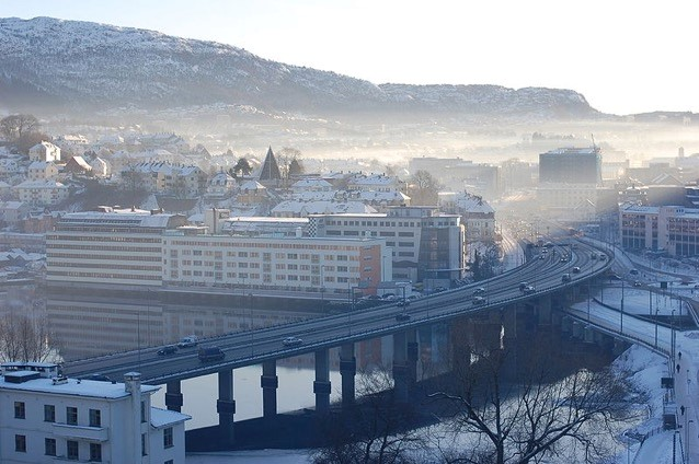 Desipite low air pollution emissions in the region, the city of Bergen in Norway experiences seasonal periods of smog.
